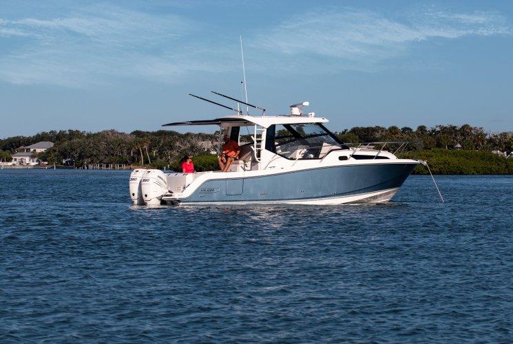 Boston Whaler 325 Conquest foto: 0