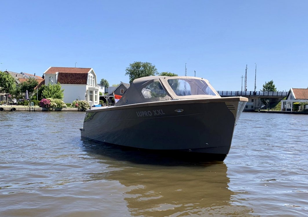 TendR 23 outboard/ SHOWROOM LEEGVERKOOP foto: 2