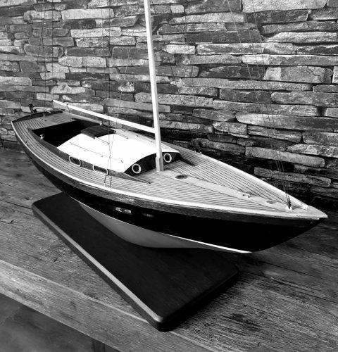 Barco folklórico noruego Velero de cabina clásica foto: 0