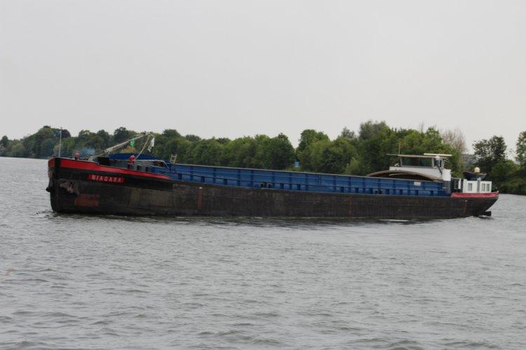 Vrachtschip Dortmunder foto: 1