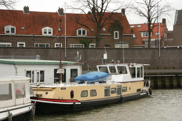 ex bunker schip woonboot/ recreatieschip foto: 0