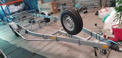 Remolque de pantorrilla con frenos 1300 kilo eje 2009