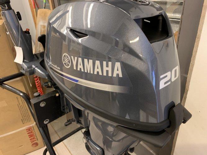 Yamaha Nieuwe Buitenboordmotoren MEGA KORTING foto: 1