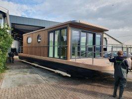 Lotus Houseboat 12