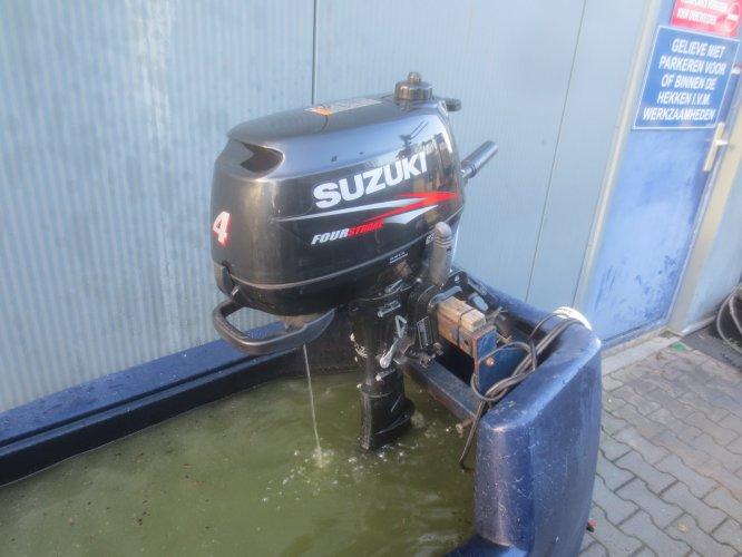 Suzuki Four-stroke 4 PK foto: 0