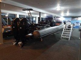 Grand G850L black with 2 x Mercury Verado 200 hp