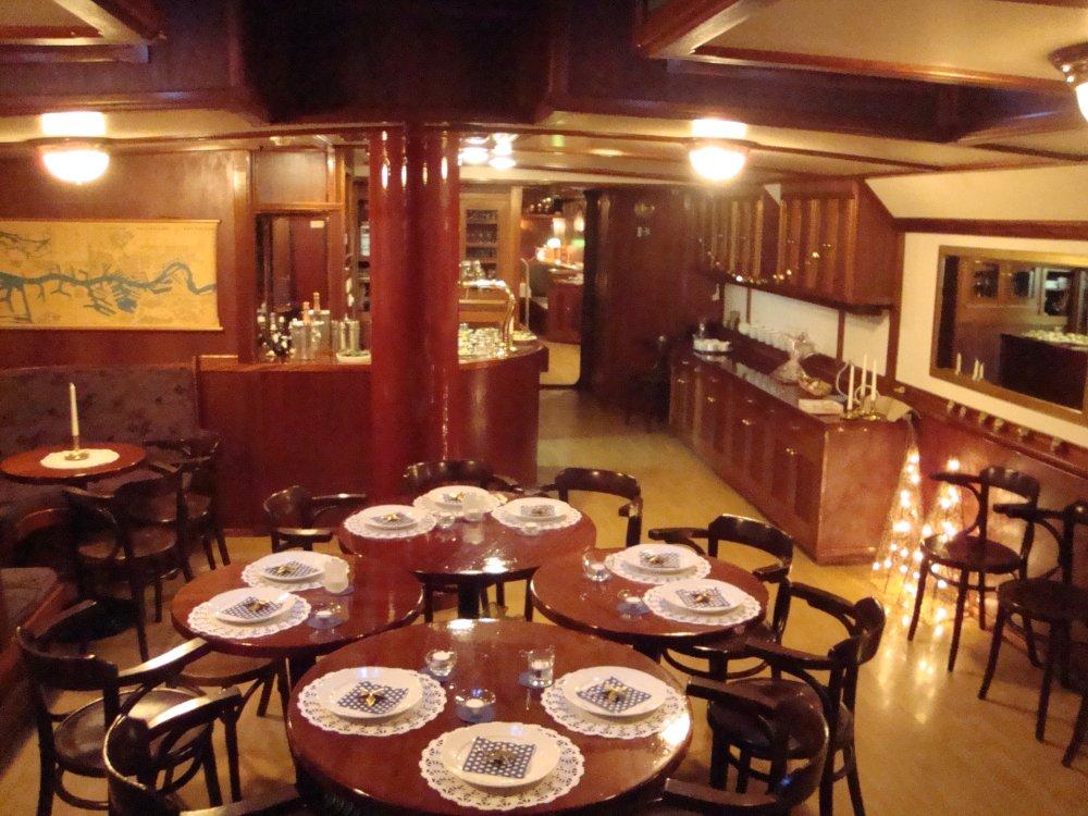 Woonschip Rotterdam Woonboot met ligplaats foto: 12