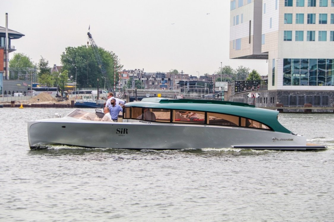 Waterdream Limousine Tender foto: 16