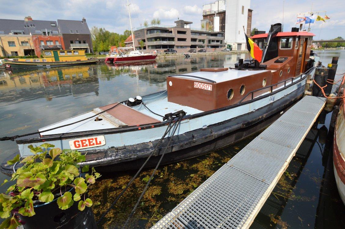 Ex Sleepboot 1700 foto: 4