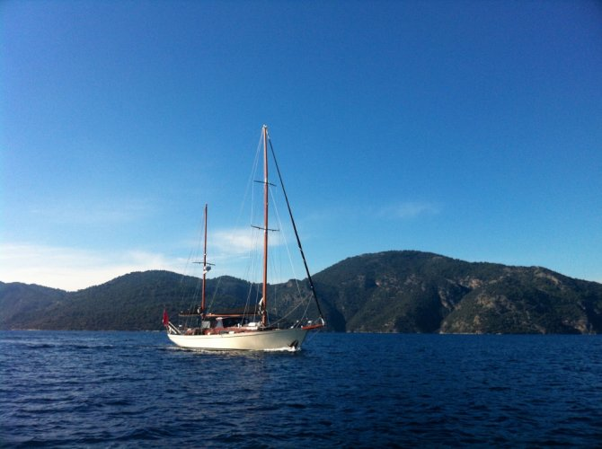 One off Classic sailing yacht foto: 1