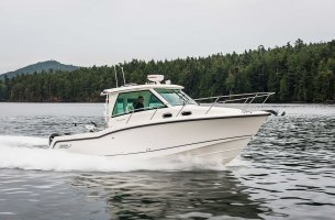 Boston Whaler 325 CONQUEST PILOTHOUSE