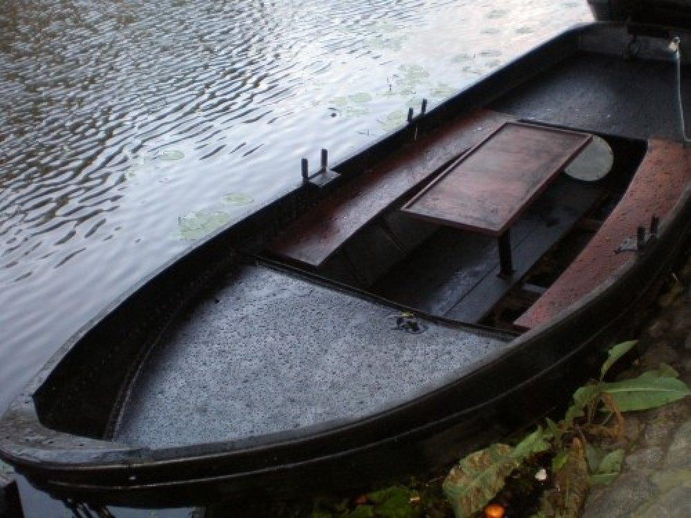Vaarklaar ! Grachtenboot met motor va 1250 euro !  foto: 5