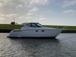 Tiara 3500 Motor yacht Volvo Penta IPS