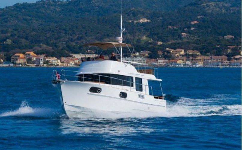 Beneteau Swift Trawler 44 foto: 1