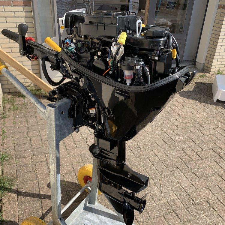 Mercury F20MH 20PK Injectie 4takt buitenboordmotor actie foto: 13