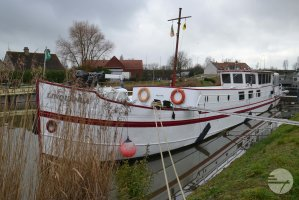 Luxe Motor Custom Built Houseboat