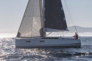 Beneteau Oceanis 38.1 DEMO
