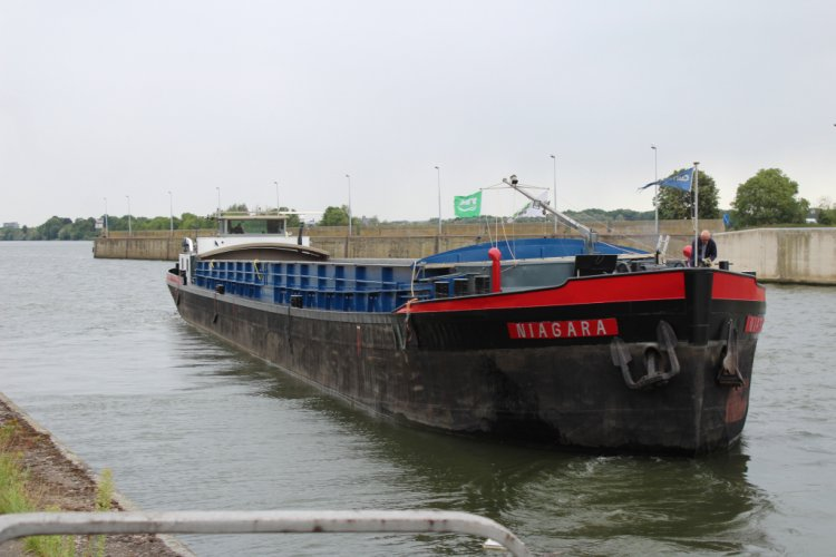 Vrachtschip Dortmunder foto: 0