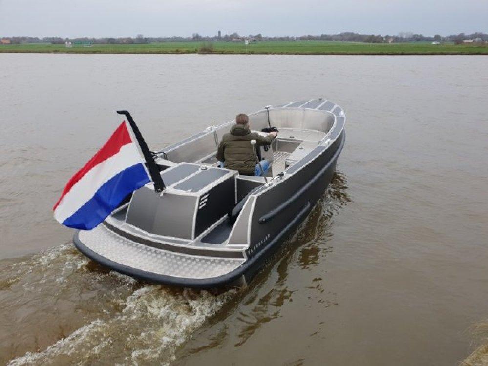 Van Vossen 600 tender/ SHOWROOM LEEGVERKOOP foto: 1