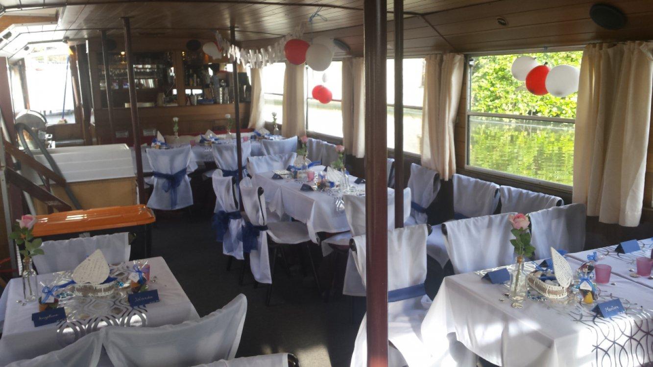 Partyschip, rondvaartboot salonboot foto: 4
