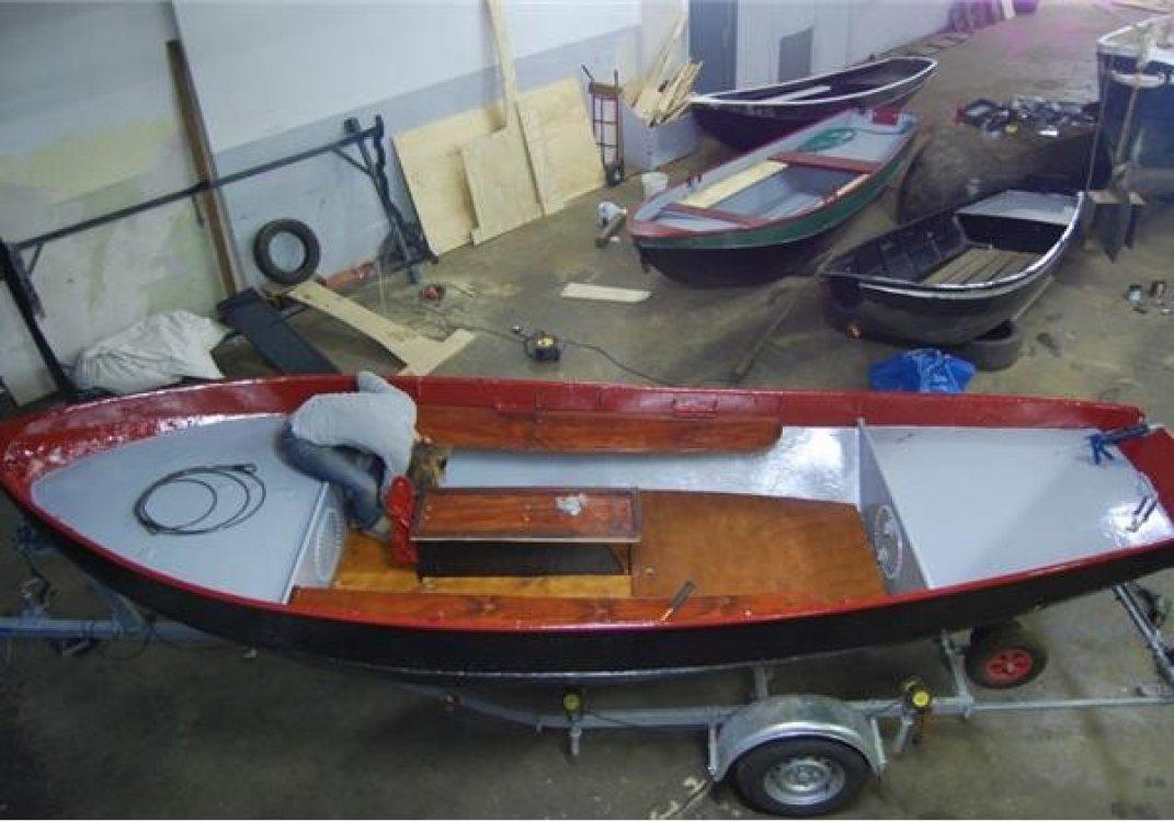 Schitterende robuuste grachtenboot geheel vaarklaa  foto: 2