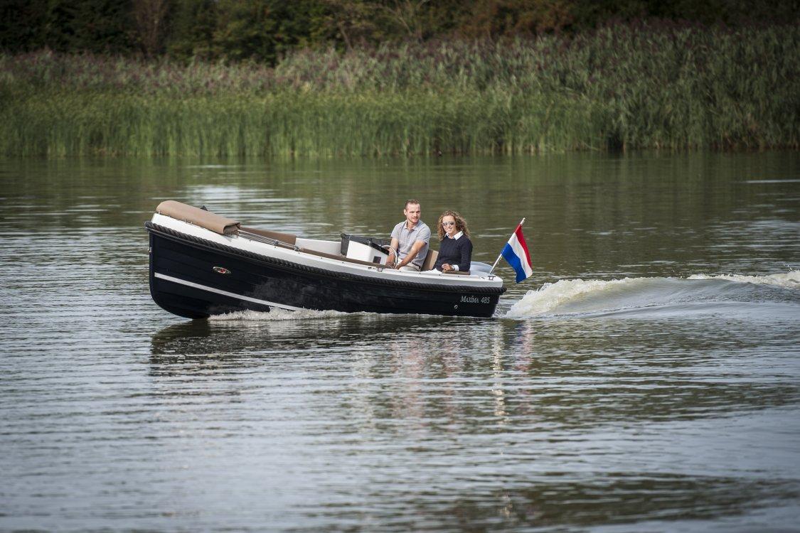 Maxima Boat 485 foto: 2