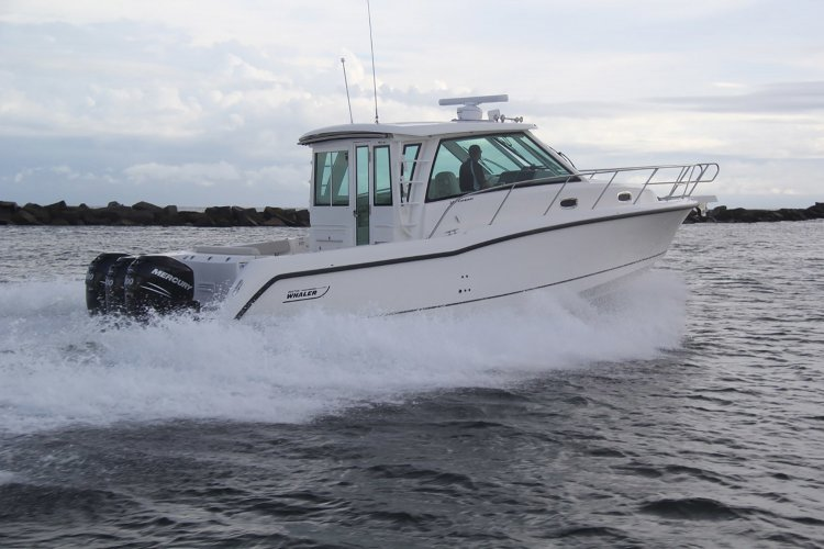 Boston Whaler 345 CONQUEST PILOTHOUSE foto: 0