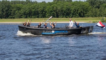 STOUT 750 grachtenboot FlevoNautica