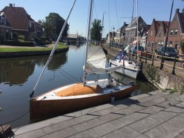 OneOff Open zeilboot met klein kajuit