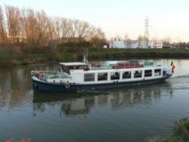 Partyschip, rondvaartboot salonboot