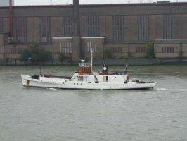 Dutch Government ex Torpedo hunter, Navy ship