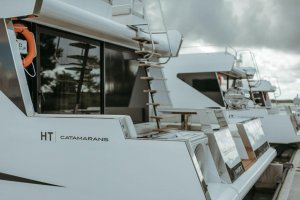 HT Catamarans SAFETY 305 100% ELECTRIC 100% Electric