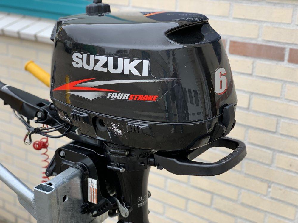 Suzuki 6PK 4 takt korstaart foto: 0