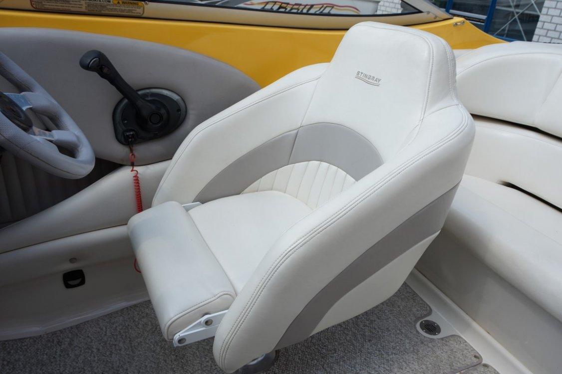 Stingray 220 SX 5.0 V8 (Baja Maxum Searay) foto: 16