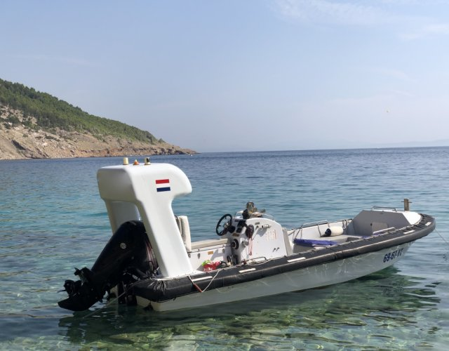 Yang Rescue boat foto: 0