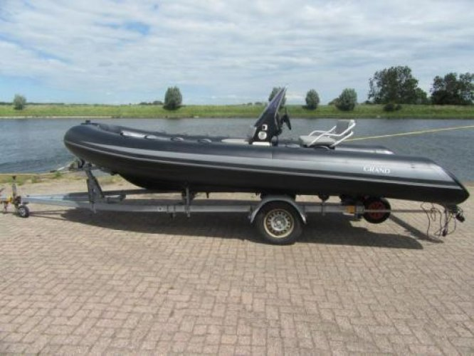 Grand S520 met passende boottrailer -Direct Leverbaar foto: 0